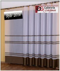 Vitrage kleur wit met bruin maat 600cm x 250cm